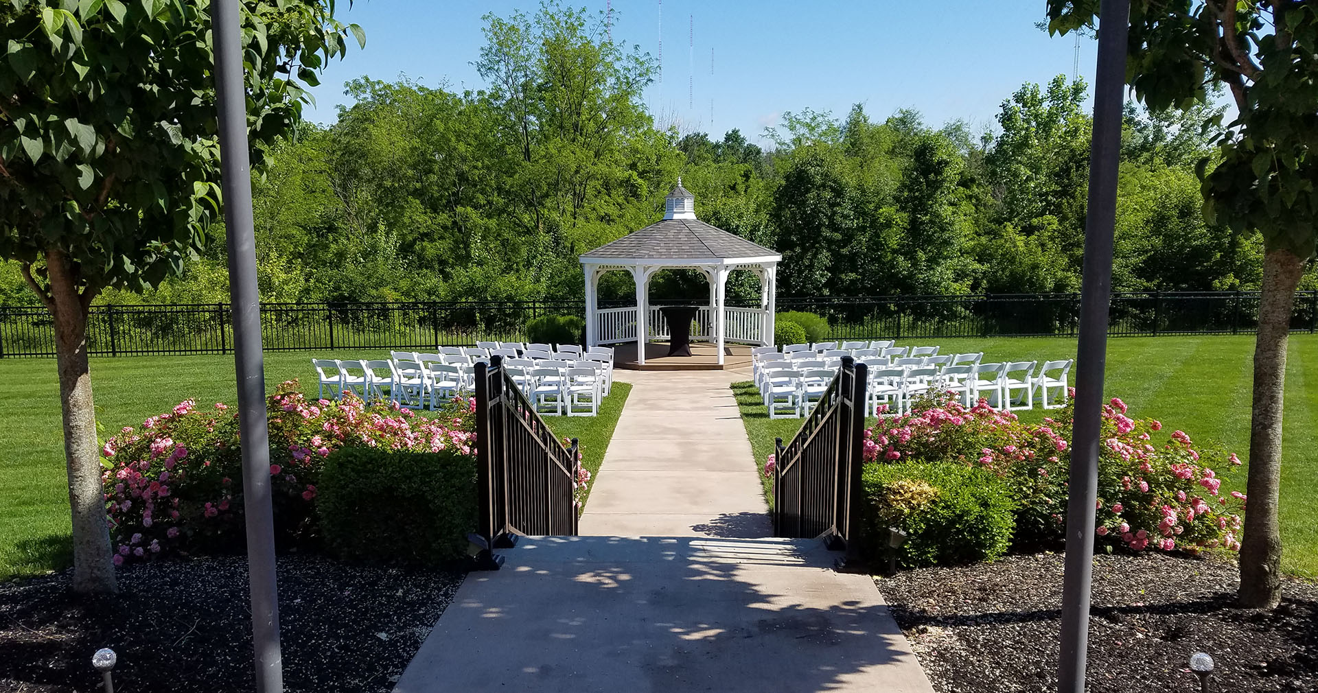 Event_Center_Grove_City_Ohio_Aladdin_Shrine_Center Outdoor Wedding Venue